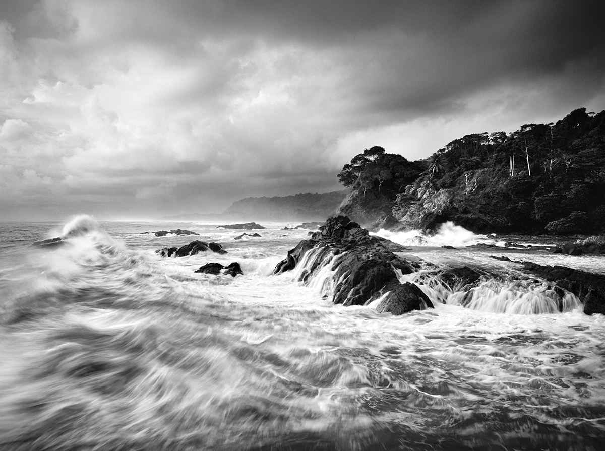 1200_bw_Osa Peninsula - Rising Swell, Costa Rica