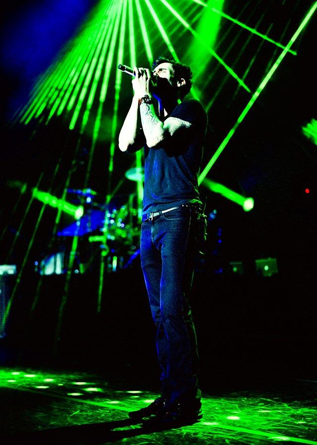 Music Peformance Photography Adam Levine Maroon 5 Carmichael Productions, inc.