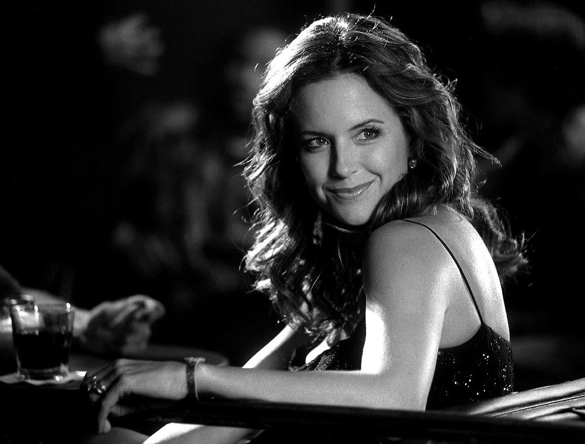 Carmichael Productions, Inc Video Kelly Preston Behind the Scenes Photography Maroon 5