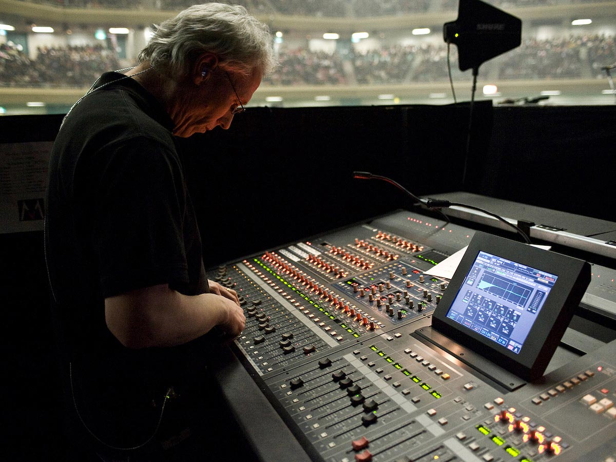 Carmichael Productions, Inc Documentary Music Board Behind the Scenes Photography Maroon 5